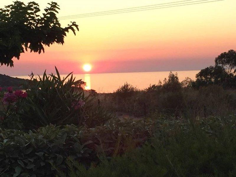 Résidence Lieu-dit Lozari, Maison avec vue mer!, casa vacanza a Belgodere