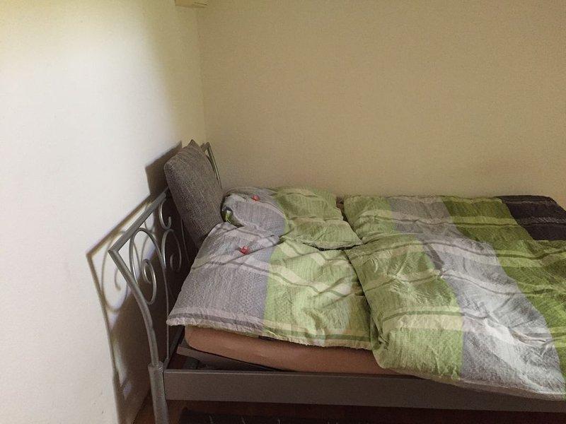 Smart (Kleine Wohnung für bis zu 2 Personen), holiday rental in Meiningen
