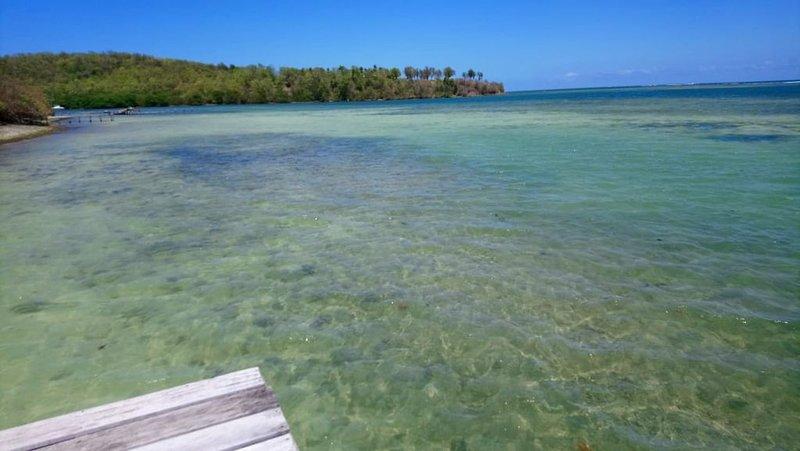 Charmante Villa 3 étoiles à 30m de la mer  entièrement équipée ., location de vacances à Le Robert