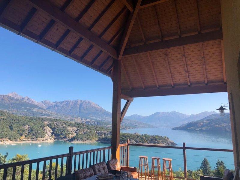 Villa avec accès plage privée, holiday rental in Theus