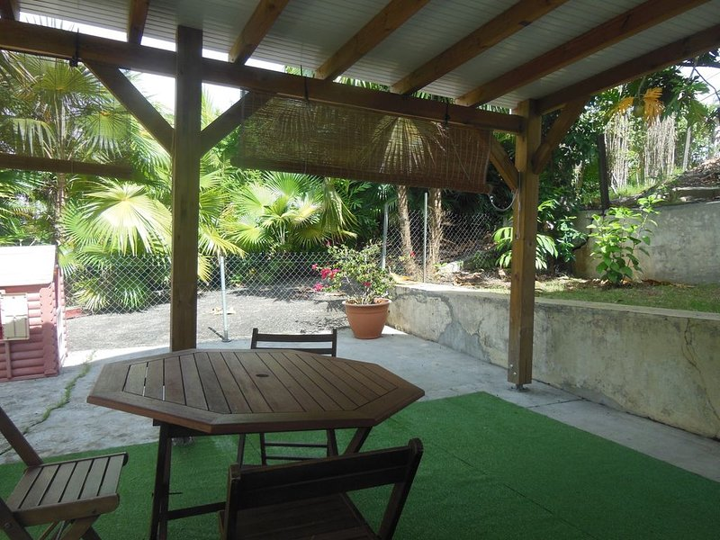 Ça m'convient - T1 avec terrasse, holiday rental in Les Abymes