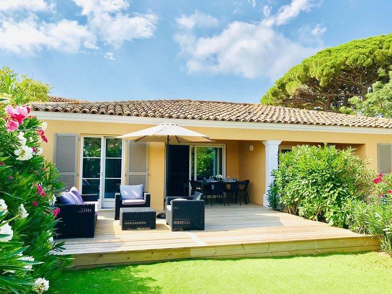 Saint-Tropez Maison avec jardin , 2 chambres 5 couchages, plage 50 m., alquiler vacacional en Gassin