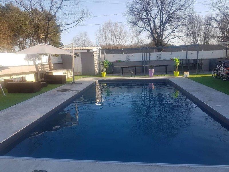 Villa au bon accueil, location de vacances à Cubzac-Les-Ponts
