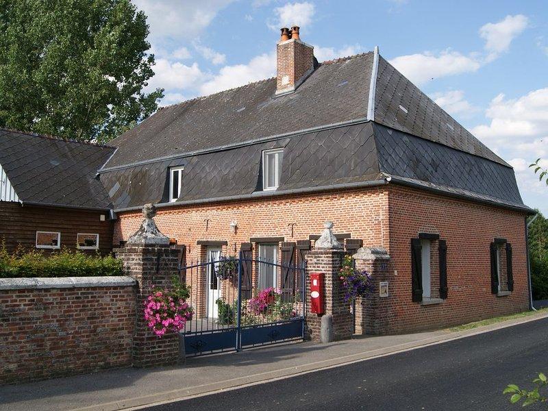 gite à la campagne avec un étang privé, vacation rental in Englancourt
