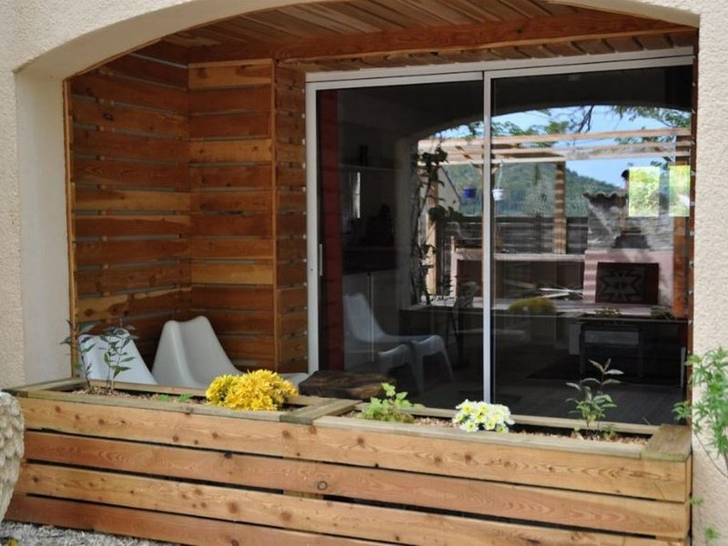 Gite Manzafaro  - en pleine campagne, holiday rental in Clamensane