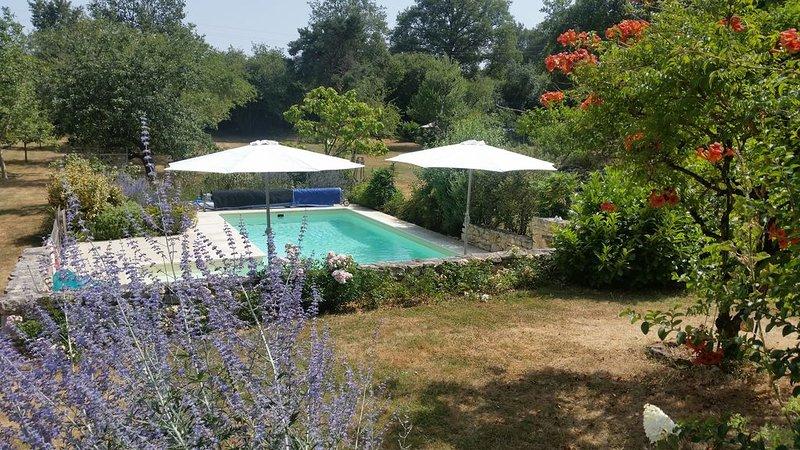 Maison spacieuse et confortable à la campagne, casa vacanza a La Bussiere