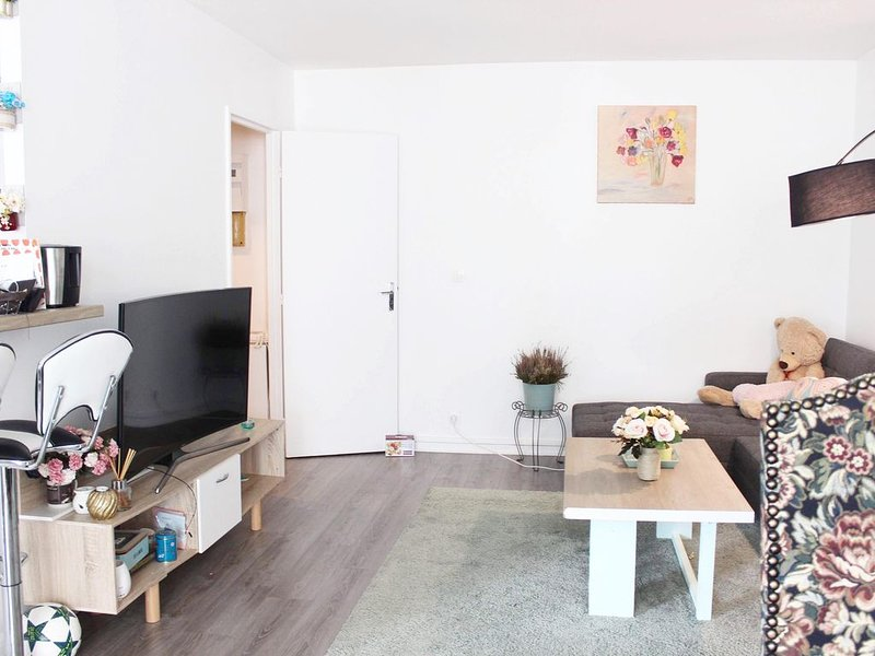 74m2 appartement 15 mins de Paris, location de vacances à Sartrouville