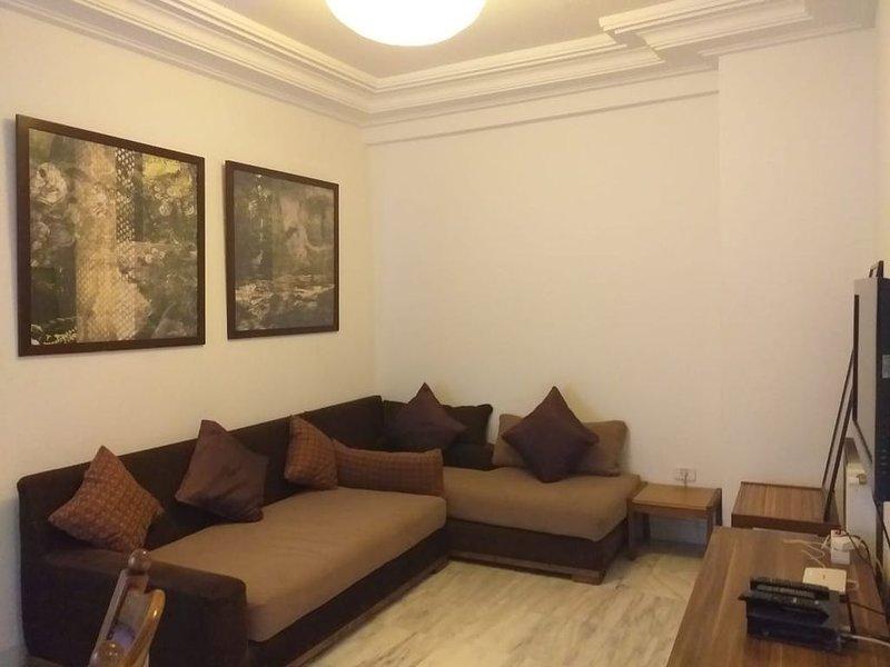 Appartement spacieux à Ennasr, holiday rental in La Marsa