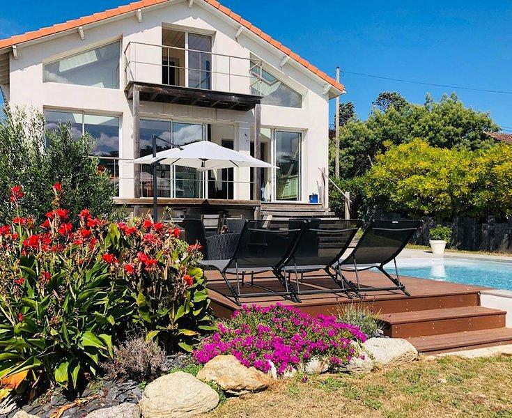 Villa piscine et vue mer, alquiler vacacional en La Plaine-sur-Mer