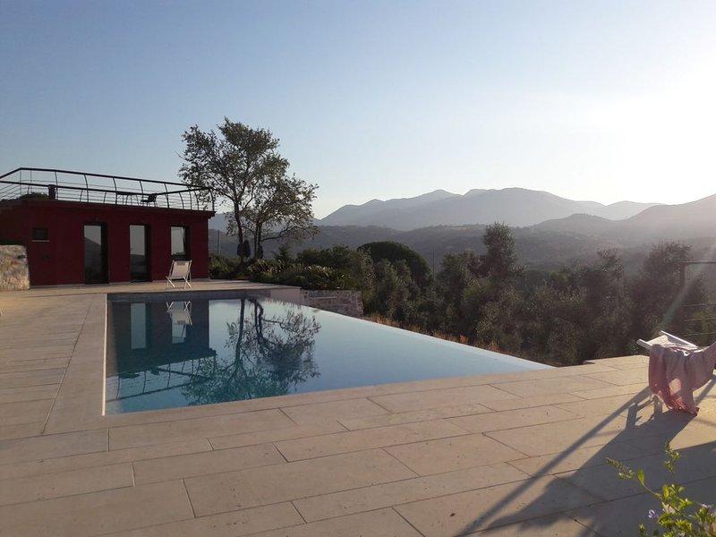 Au calme, entre Rome et Naples villa de charme avec piscine proche Sperlonga/mer, location de vacances à Itri