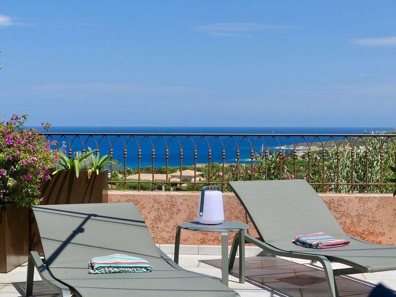 T2 climatisé avec terrasse 40 M2 très belle vue mer dans résidence avec piscine, aluguéis de temporada em Lumio