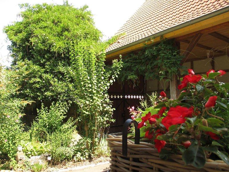 Ancienne étable transformée en gite avec jardin,parking , et deux salle de bain, aluguéis de temporada em Epfig