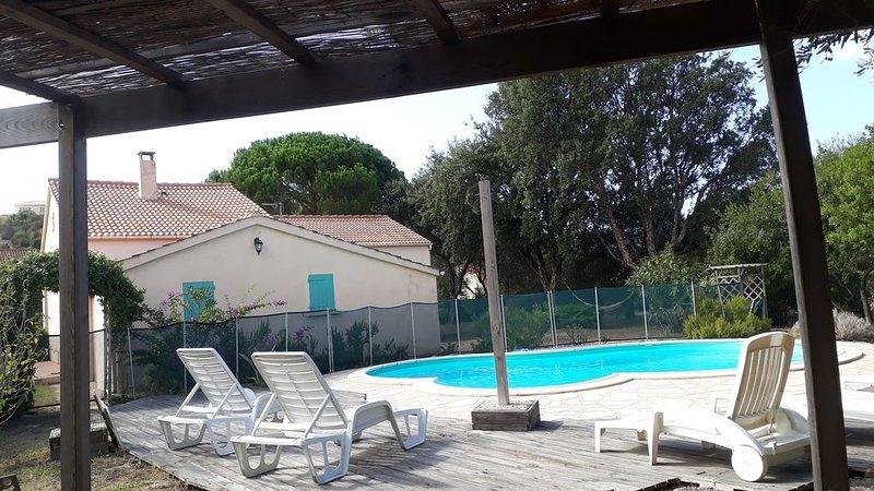 Saint Florent Villa de charme avec Piscine et Jardin arboré entre mer et vigne, holiday rental in Saint Florent