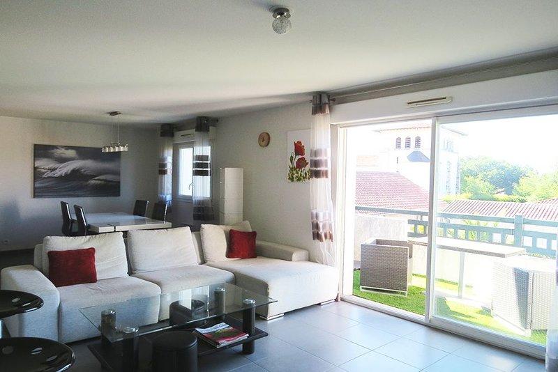 Appartement 10 mn de l'océan Seignosse Hossegor Le clos du château, holiday rental in Saubion