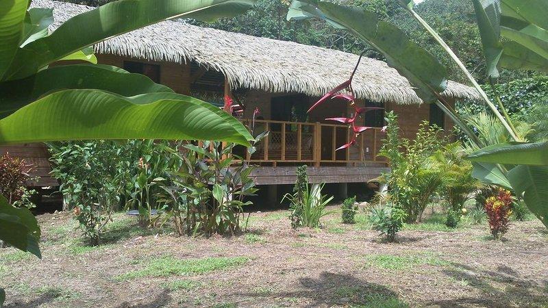 maison carribeene  en bois avec piscine, vacation rental in Coronado