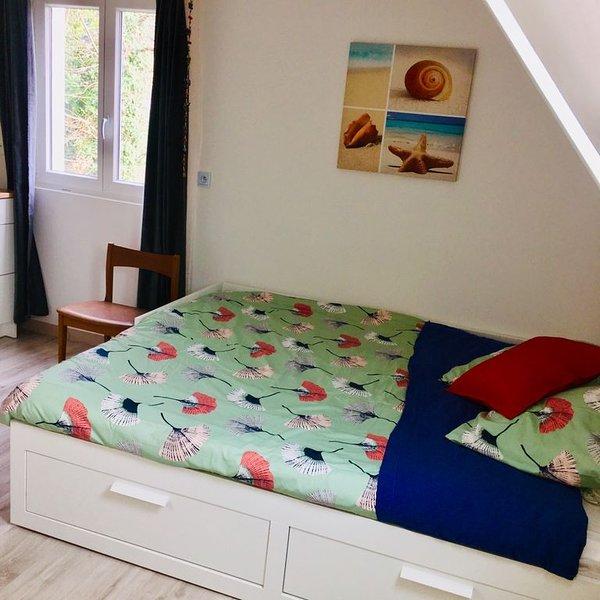 Studio cosy chaleureux et indépendante avec jardin, location de vacances à Landivisiau