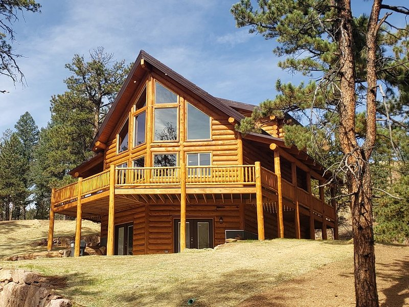 Recently Built! Stunning 4BR Cabin, vacation rental in Woodland Park