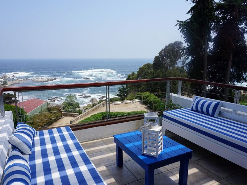 First Line Apartment Facing the Sea, vacation rental in Maitencillo