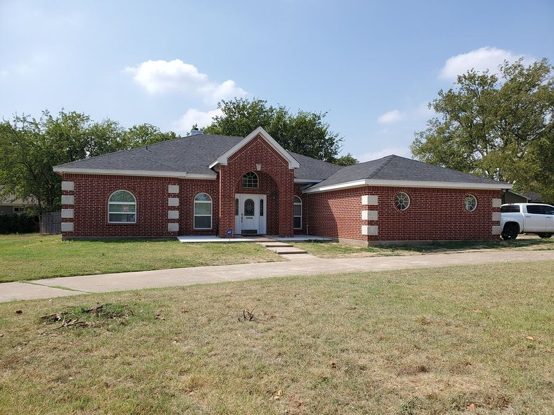 Modern Home in Excellent Location!!, vacation rental in Fort Worth