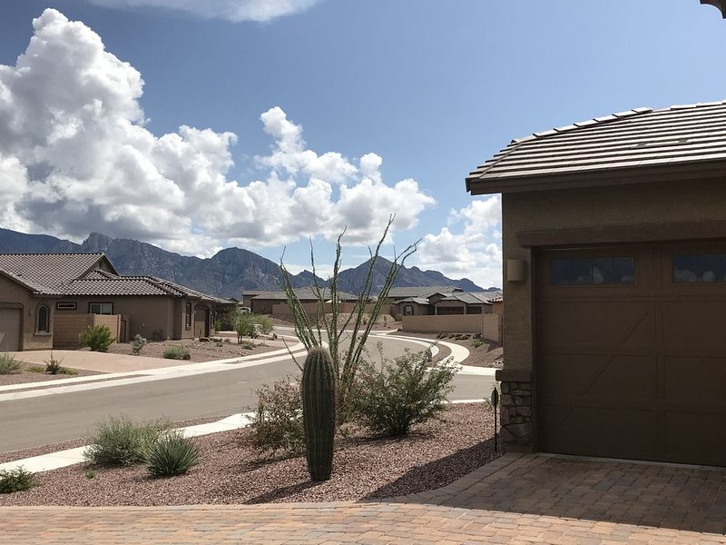 Spacious, Quiet, Well Appointed, Dog Friendly, Mt.Views, Get Away Perfect for 2, location de vacances à Oro Valley