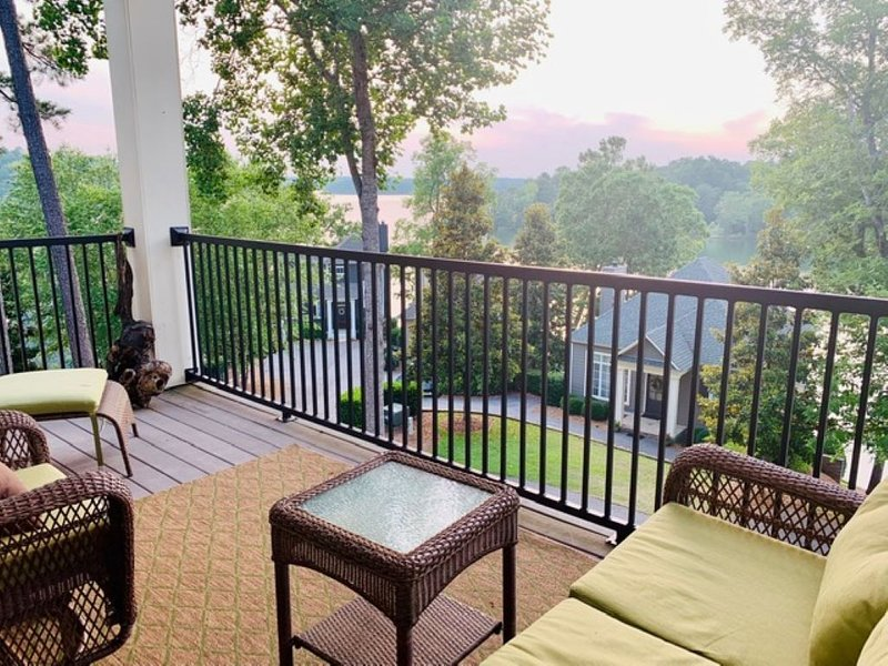 Luxury Condo with the resort amenities / close to Chimney Rock, location de vacances à Tallassee