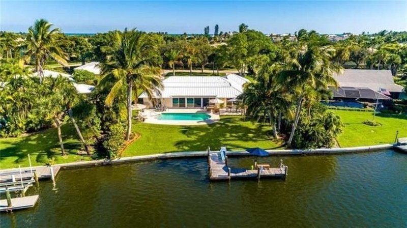 Waterfront 4 bdrm home w pool, dock and beach access, vacation rental in Vero Beach