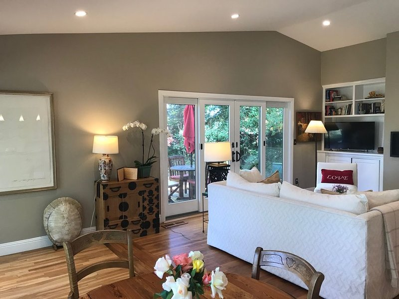 Harmony House - a serene place to relax and renew, holiday rental in Sebastopol