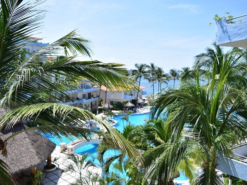 BEACHFRONT CONDO PARADISE IN MANZANILLO – semesterbostad i Manzanillo