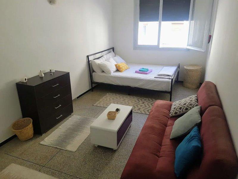 Minimalist, Nice & Cosy Appartement in City Center, vacation rental in Rabat-Sale-Zemmour-Zaer Region