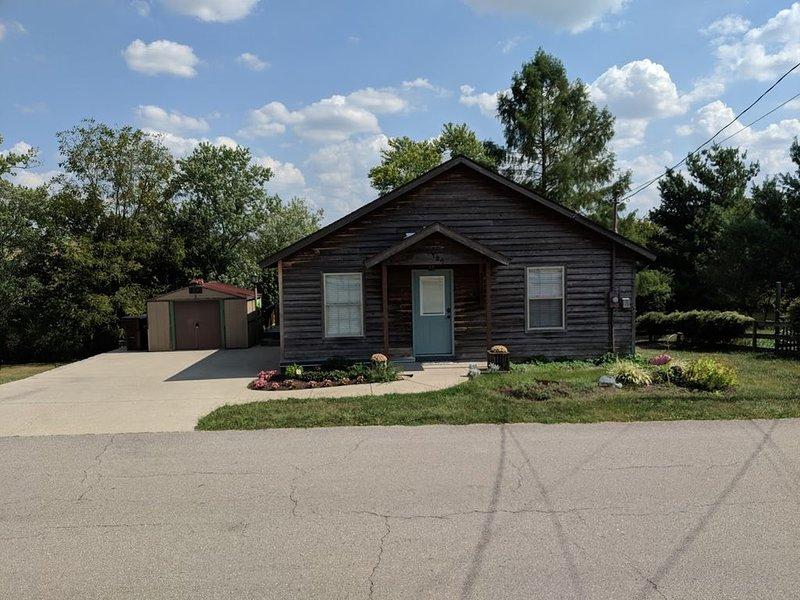 Cozy House on Elkhorn Creek 15 Minutes from Horse Park, location de vacances à Georgetown
