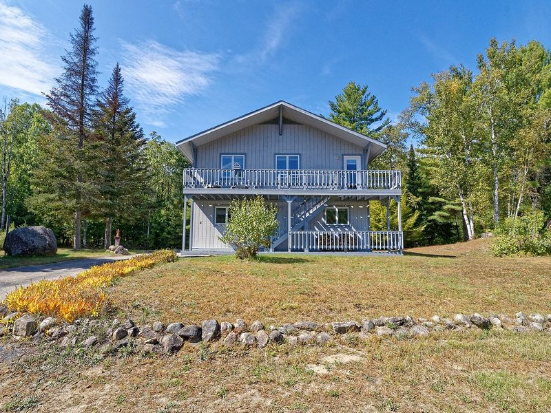 North Creek Chalet - Minutes to Gore, holiday rental in Indian Lake