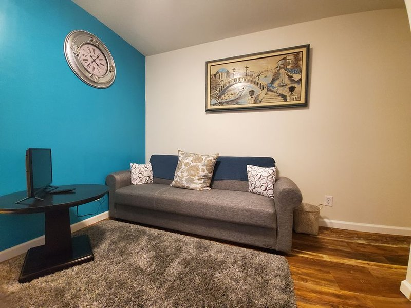 Quiet and modern and convenient, Ferienwohnung in King of Prussia