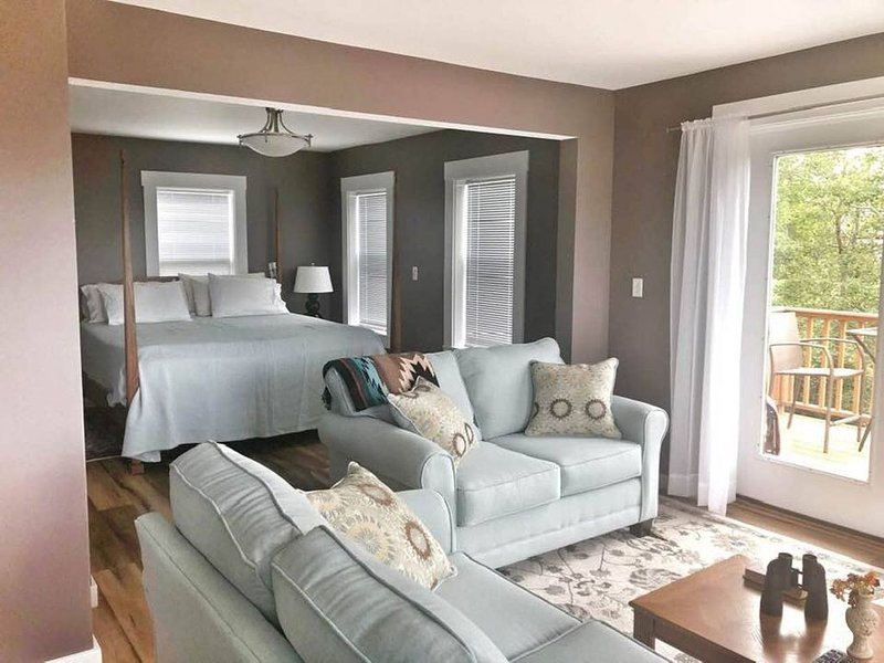 Piper House in Quaint Fishing Village - Pet Friendly, vacation rental in Addison