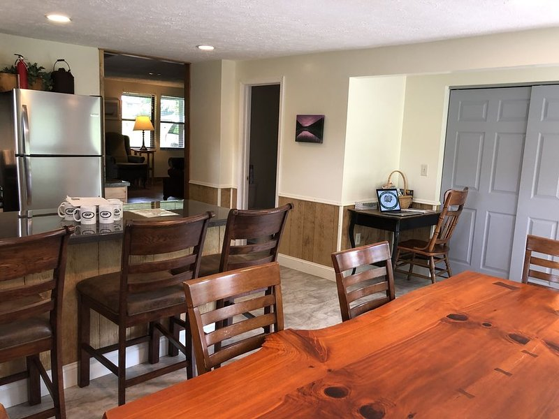 Farmhouse Next to New River Gorge National Park, holiday rental in Summersville