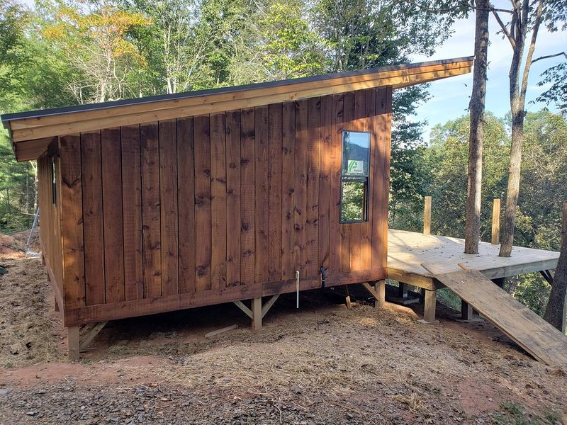 The Cabin at Little Pine Mountain, holiday rental in Marshall