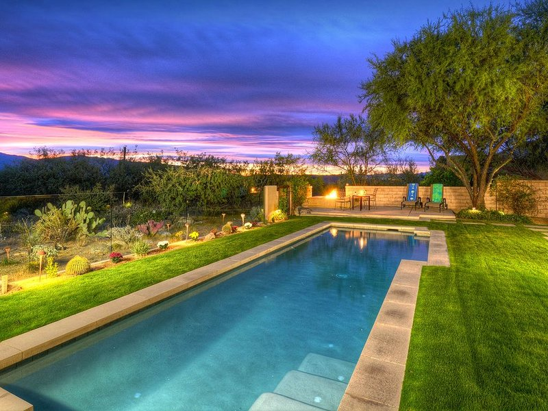 Fabulous newer contemporary custom home by Ventana Canyon!, holiday rental in Mount Lemmon
