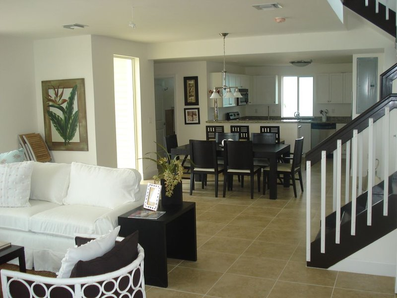 Home on beautiful secluded Bimini beach with incredible Sunsets!, holiday rental in Bimini