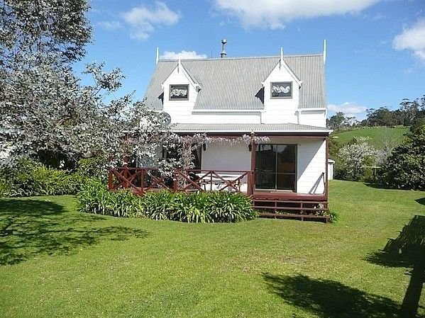 Cute Cottage - Cooks Beach Bach, holiday rental in Ferry Landing