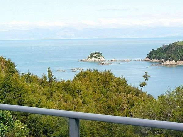 Korora - Kaiteriteri Beach House, holiday rental in Nelson-Tasman Region