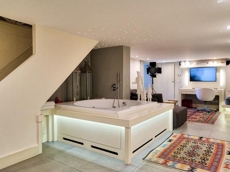 Luxury Eden lussuoso appartamento n l centro città, vacation rental in Catania