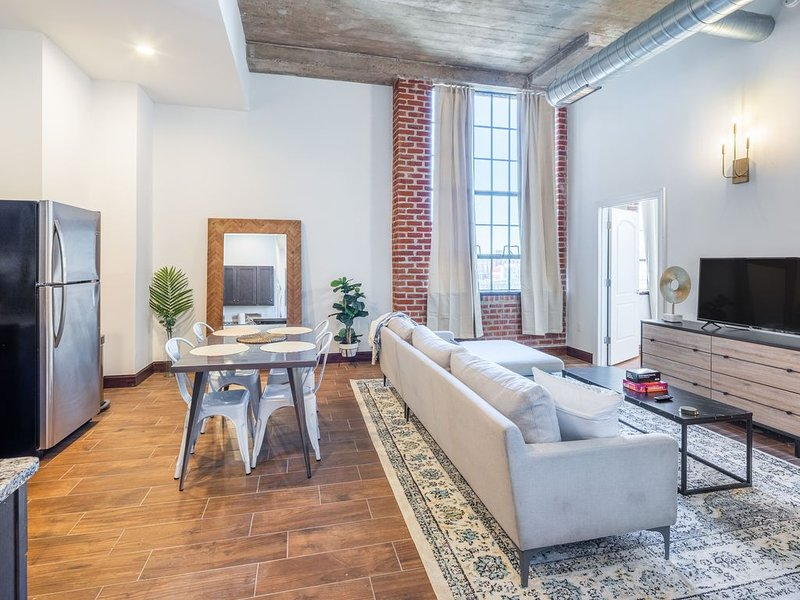 Sosuite | Breathtaking 2BR Penthouse w. Discounted Parking, holiday rental in Philadelphia