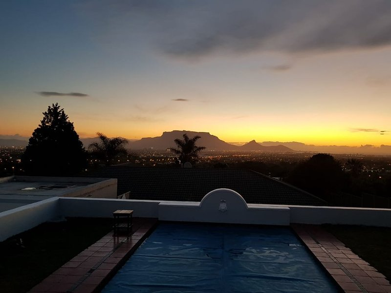 Tranquil Home in Mother City, vacation rental in Table Mountain National Park