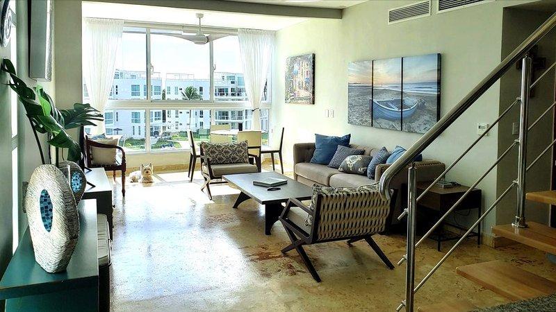 ★ Modern PH w/jacuzzi, ocean and golf views, BBQ & telescope. Walk to beach!, holiday rental in San Pedro de Macoris