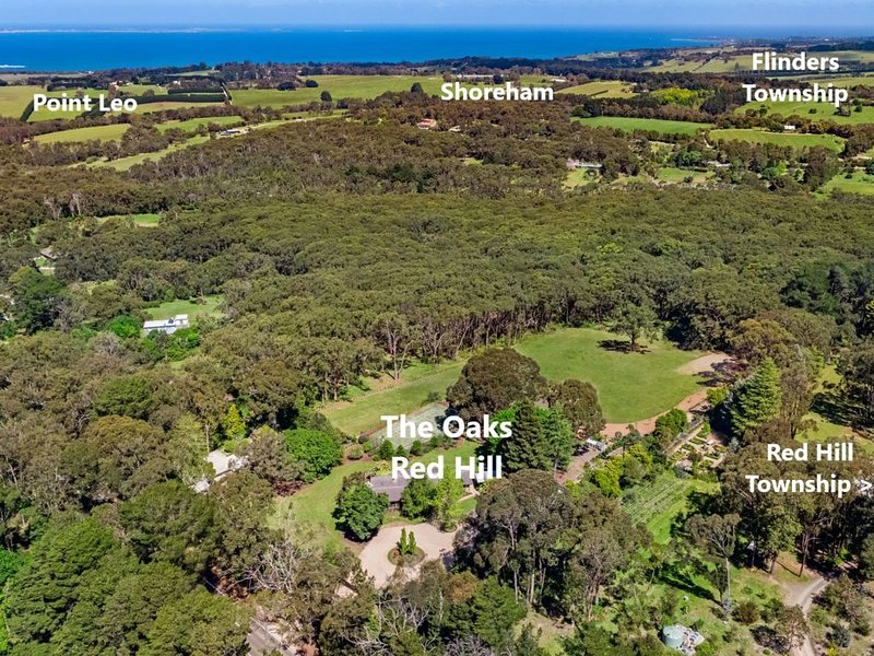 The Oaks Stunning Red Hill Country and Coastal Home 15 Acres, Wineries, Beaches, holiday rental in Red Hill