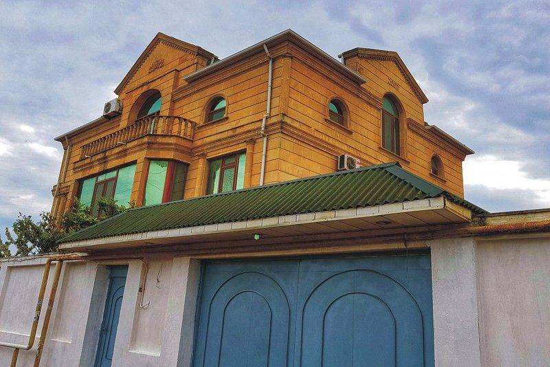 HOLIDAY GUEST HOUSE., casa vacanza a Mardakan