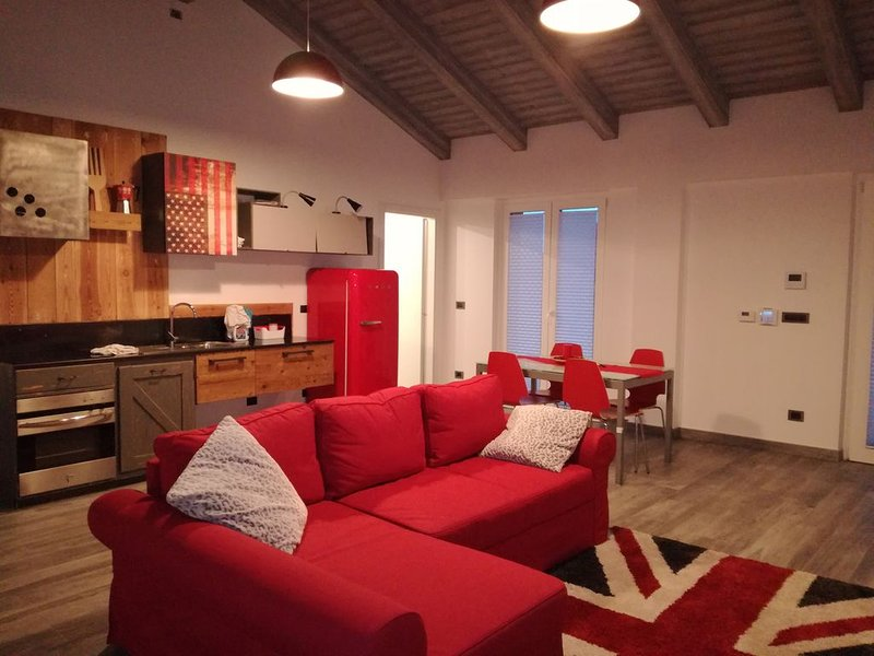 Calda  e accogliente dependance situata a lato villa con ingresso indipendente., vacation rental in Frabosa Soprana