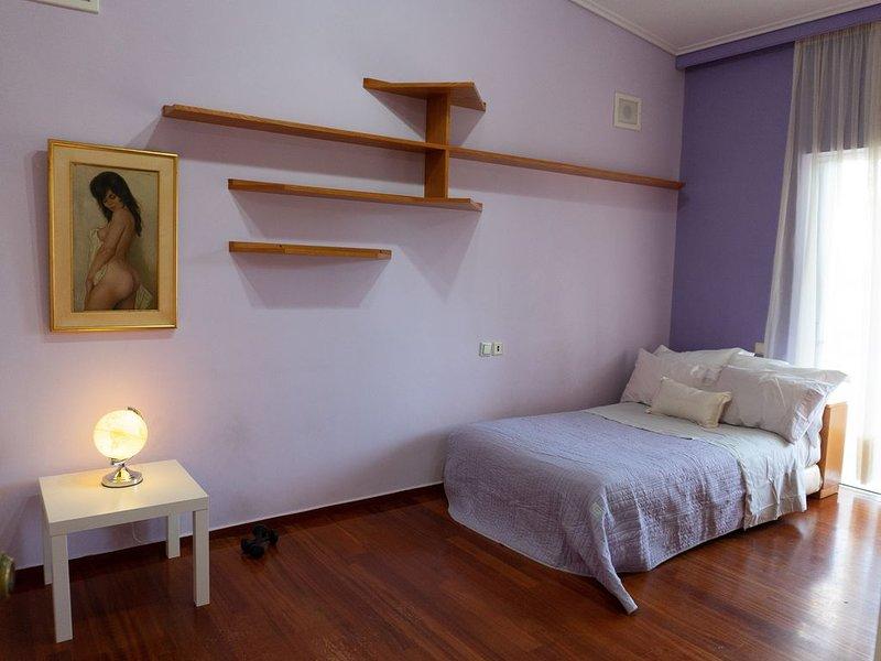 Two floor Villa with garden in Voula, casa vacanza a Voula