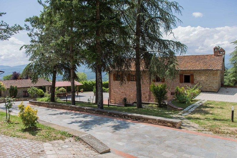Villa con piscina alle porte del Parco Nazionale Foreste Casentinesi, holiday rental in Stia
