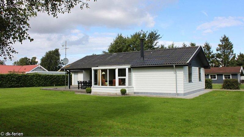 Ordentliches Ferienhaus für Familien, mit umfassender Ausstattung, WLAN und Ofen, location de vacances à Horuphav