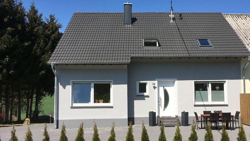 Ferienhaus 'Auf der Hill', holiday rental in Prüm